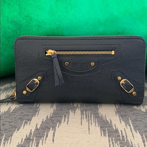 Balenciaga Handbags - Balenciaga gray wallet
